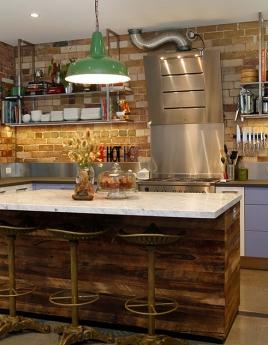 Кухня в стиле лофт: домашний уют в гаражных интерьерах